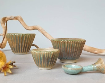 Ready to ship: Sriped design Green stoneware bowls and spoon, sauce bowl, breakfast bowl, kitchen furnishing, Christmas gift
