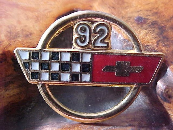 Vintage Oldsmobile Rally Sport Hat Lapel Pin