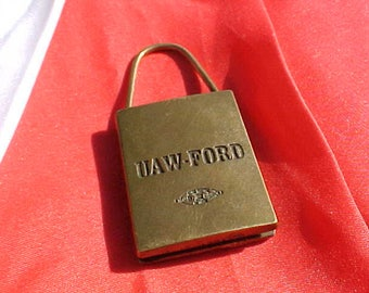 """1987 UAW Ford Lockout Key Ring """"Its Your Life - Its Your Right"""" United Auto Workers ECPL OSHA Swap Swag Detroit Factory Worker Collectible"""