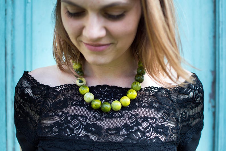 present for women beaded boho accessories yellow simple necklace funky girls gift Green large beads strand hand painted jewelry