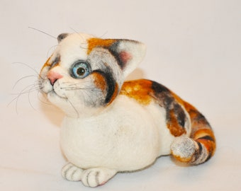 Spotted cat - Needle Felted toy.