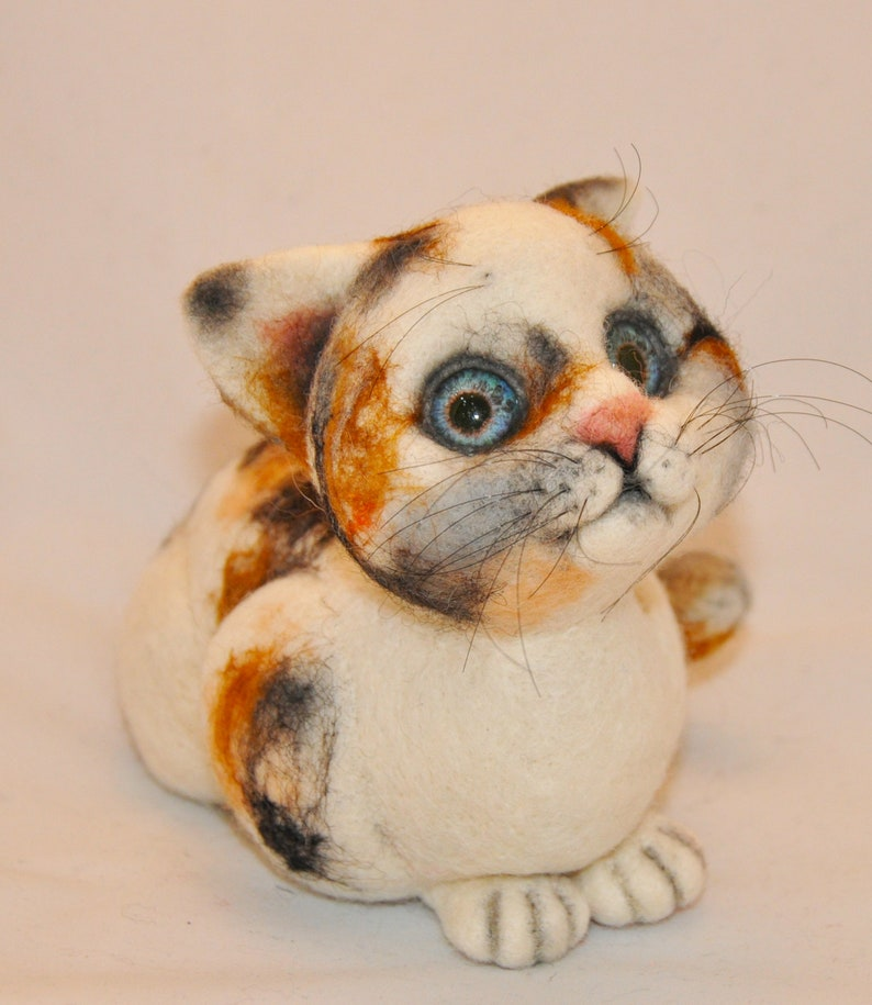 Needle Felted toy. Spotted cat