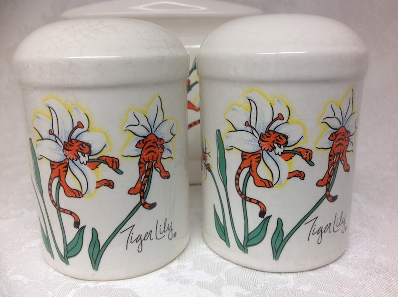 Petal Pets Tiger Lily Napkin Holder with Salt and Pepper Shakers