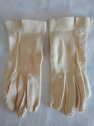 Vintage Ladies Gloves by Paris Glove - Cream Colour