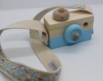 Wood-Liberty Montessori Camera