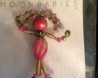 Moonbabies handcrafted 1990's pin (pink and gold)