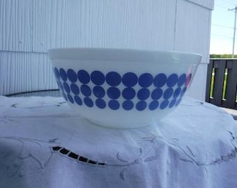 VINTAGE PYREX BLUE dot mixing bowl #403, 2.5qt