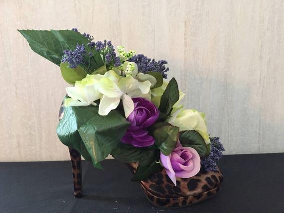 Arreglo Floral En Zapatos De Impresión Animal