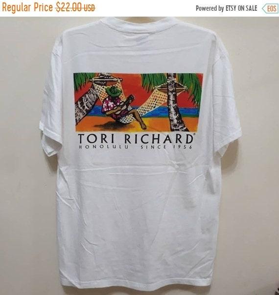 VENTE 20 % de réduction Tori Richard T-Shirt Promo Logo Honolulu marques Hawaii Aloha hawaïen vêtements jolie dessins légendes Sz L mint condition