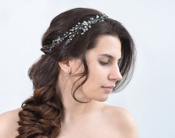 Fall hair accessories Bride hair piece Wedding headband Dainty bridal headband Crystal Bridal hair vine tiara prop winter minimalist