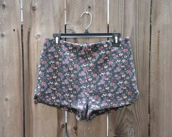 6a9718937 Kimchi Blue High Waisted Zipper Back Floral Shorts