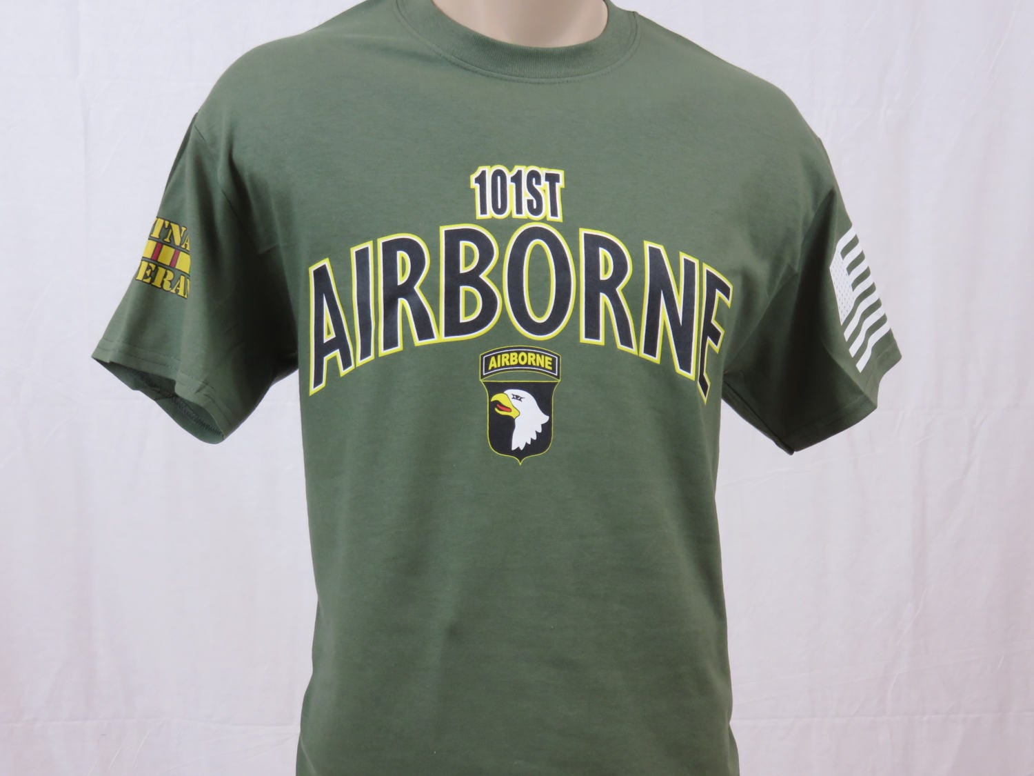 Heavyweight Sweatshirt by Military Online US Army 101st Airborne Screaming Eagles Vietnam Veteran Embroidered Logo