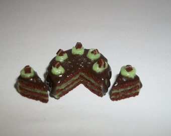 1:12 One Inch Scale Dollhouse Miniature Handcrafted Chocolate Mint Dessert Cake Doll Food 1425