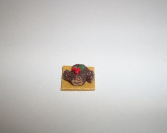 1:24 One Half Inch Scale Dollhouse Miniature Handcrafted Christmas Yule Log Dessert Cake Doll Food 983
