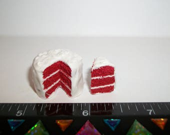 1:12 One Inch Scale Dollhouse Miniature Handcrafted 3 Layer Red Velvet Dessert Cake Doll Food