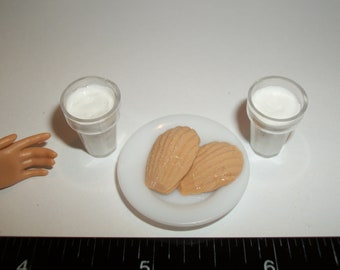 Dollhouse Miniature Milk & Cookies Christmas Dessert Doll Drinks Fake Food ~ reference Barbie / Fashion Doll hand for size 978