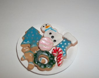 Dollhouse Miniature Christmas Cookies / Doll Fake Food ~reference Barbie hand for size 855