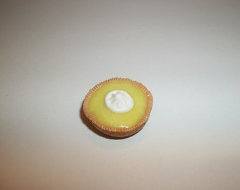 1:12 One inch Scale Dollhouse Miniature Handcrafted Lemon with Creme Pie Dessert 21 mm Doll Food 1104