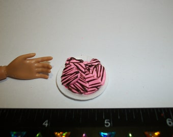Valentine Heart, Miniature Candy, Dollhouse Drizzle Cookies -see Barbie hand for reference to size 828