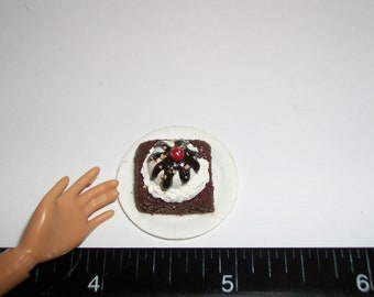 Dollhouse Miniature Chocolate Fudge Brownie with Vanilla Ice Cream Dessert Food for Fashion Doll - reference Barbie Hand for size 801