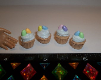1:6 Play Scale Dollhouse Miniature Handcrafted Easter Egg Cupcakes Dessert Doll House Food ~ reference Barbie hand for size 742