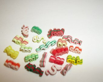 Dollhouse Miniature Christmas Ribbon Candies / Doll Food Dessert ~ reference Barbie / Fashion Doll hand for size 1102