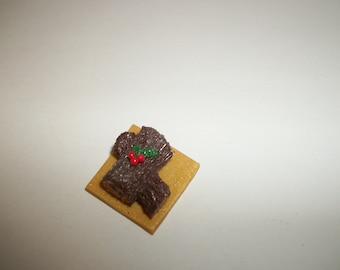 1:12 One Inch Scale Christmas Dollhouse Yule Log Cake / Miniature Doll Food 1671