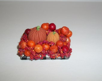 Dollhouse Miniature Pumpkin Decoration / Doll House Diorama ~ reference Barbie / Fashion Doll hand for size 1724