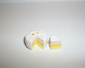 New 1:12 One Inch Scale Dollhouse Miniature Handcrafted Candy Corn Dessert Cake for Dolls