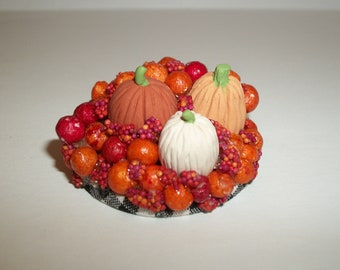 Dollhouse Miniature Pumpkin Decoration / Doll House Diorama ~ reference Barbie / Fashion Doll hand for size 1723