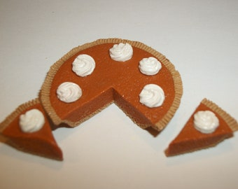 1:6 Play Scale Dollhouse Miniature Handcrafted Pumpkin Pie Dessert Doll Food ~ see Barbie hand for reference to size 1109