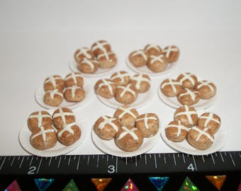 New 1:12 One Inch Scale Dollhouse Miniature Handcrafted Easter Spring Hot Cross Buns Dessert Rolls on a Plate #945
