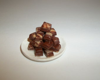 Dollhouse Miniature Chocolate Fudge Candy Dish Doll Food Dessert ~ reference Barbie / Fashion Doll hand for size 1412