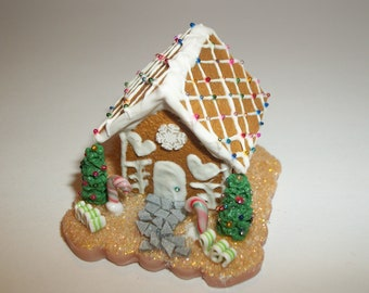 Christmas Dollhouse Miniature Gingerbread House  ~ reference Barbie / Fashion Doll hand for size 1698