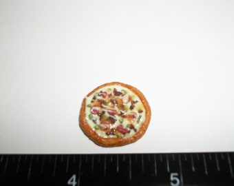 1:12 One Inch Scale Dollhouse Miniature Handcrafted 16 mm Sausage Pizza Food for the Doll House - 997