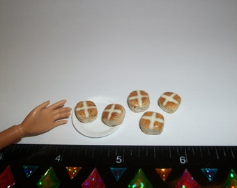 Dollhouse Miniature Easter Hot Cross Buns Dessert Roll Fake Food for Fashion Sized Dolls ~ reference Barbie hand for size 803
