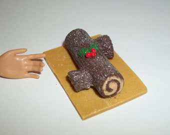 1:6 Play Scale Dollhouse Miniature Handcrafted Christmas Yule Log Dessert Cake Doll Food ~ reference Barbie / Fashion Doll hand for size 800