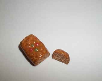 1:12 One Inch Scale Dollhouse Miniature Christmas Holiday Handcrafted Fruit Cake Bread Dessert Food for Dolls 729