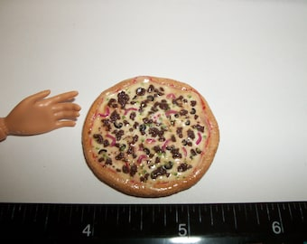 Dollhouse Miniature Handcrafted 39 mm Supreme Pizza Food for the Doll House - reference Barbie hand for size 991
