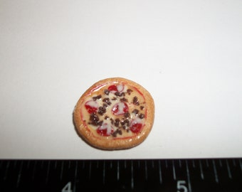 Dollhouse Miniature Handcrafted 20 mm Supreme Pizza Food for the Doll House - 993