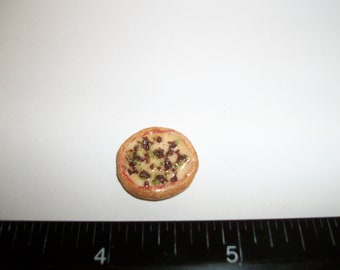 1:12 One Inch Scale Dollhouse Miniature Handcrafted 17 mm Supreme Pizza Food for the Doll House - 996
