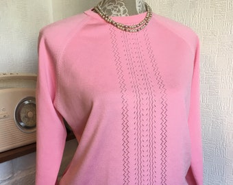 d5383d59a6c386 70s Polyester top pink knitted top crew neck pullover London  Mods Crimplene  cherry blossom pink retro top casual tops women s vintage  top