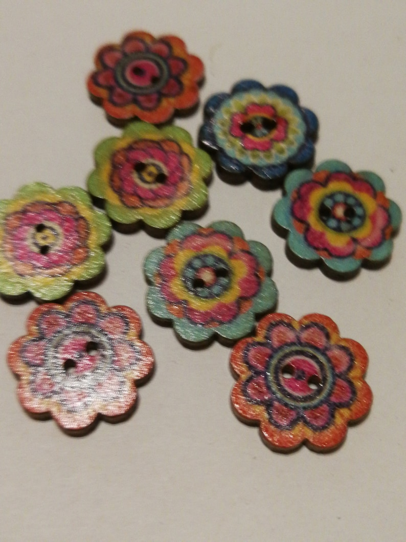 Colorful wooden knoepp flowers image 0
