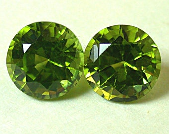 PERIDOT Arizona Vintage Faceted Gemstones Pair 7mm 3.25 cts USA01