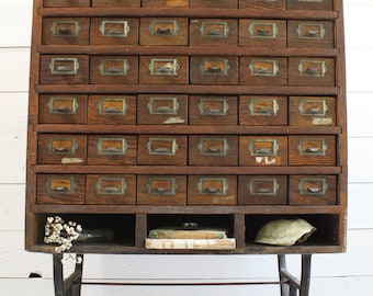 Charmant Antique Oak Apothecary Cabinet, 42 Drawer Oak And Metal Parts Bin