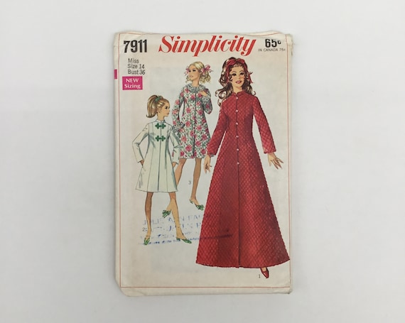 Simplicity 7911 (1968) Robe with Neckline and Length Variations - Size 14 Bust 36 - Vintage Uncut Sewing Pattern