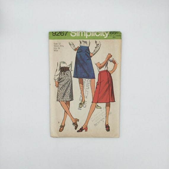 Simplicity 9267 (1971) Skirts with Style Variations - Size 12 - Vintage Uncut Sewing Pattern