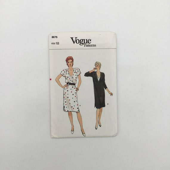 Vogue 8676 Dress with Sleeve Variations - Size 12 Bust 34 - Vintage Uncut Sewing Pattern