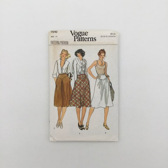 Vogue 7010 Skirt with Style Variations - Size 28 - Vintage Uncut Sewing Pattern