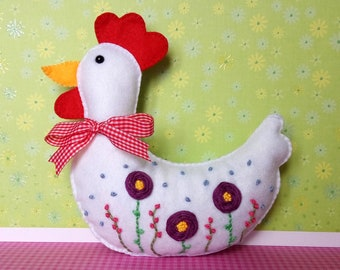 Felt embroidered hen, spring decor, Easter decoration, chicken, flowers, handstitched, seasonal, basket filler, present, housewarming gift